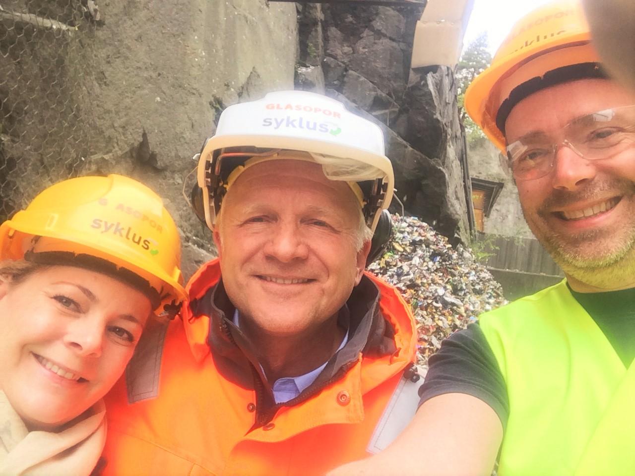 På 5S oppdrag hos Syklus i samarbeid med HiØ. Fra h.: Dr. Gunnar Andersson; Høgskolen i Østfold, Espen Sandsdalen; Syklus,Produksjons- og logistikksjef og Marny Østreng Unnli, MC daglig leder.